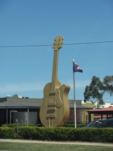 "Spotting ""Big Things"" on our road trip - Golden Guitar, Tamworth NSW"