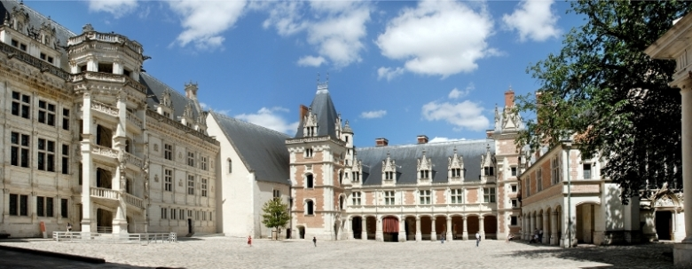 Chateau Royal De Blois - photo from http://www.chateaudeblois.fr/?Gallery-of-photos&lang=en