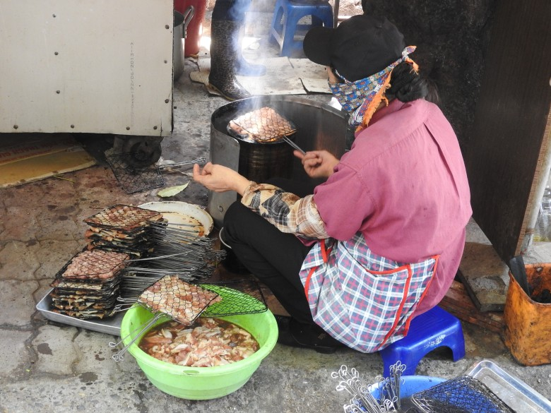 Making Bun Cha on the street