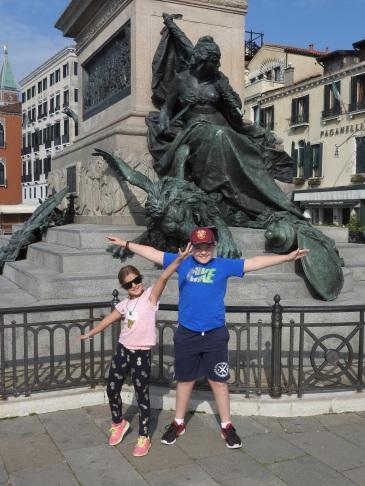 Venice Kids statue